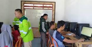 Kursus komputer warga wawonii