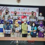 Pemprov Sultra Bagikan Ribuan Masker ke Lokasi Pemantauan Arus Mudik